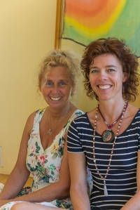 Michele (left) and Mireille are inviting you for this yoga retreat in Spain.